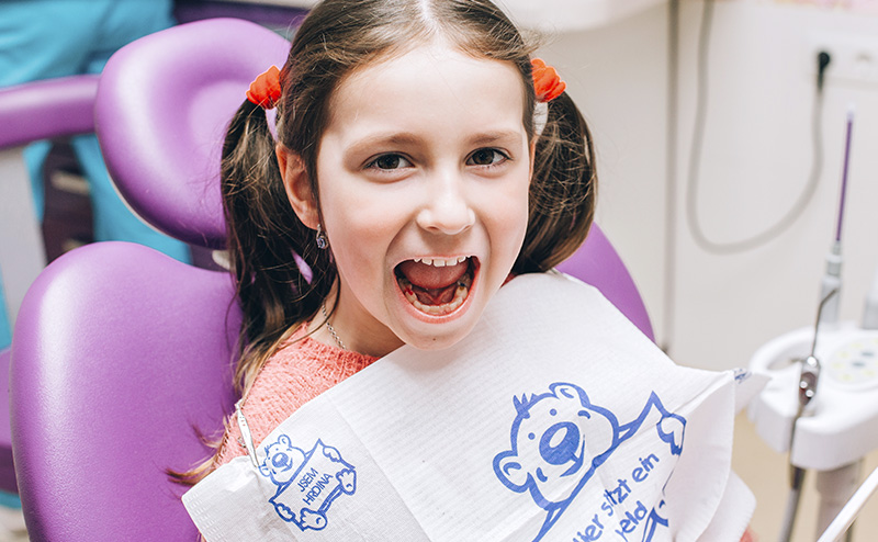 Пломбування молочних зубів